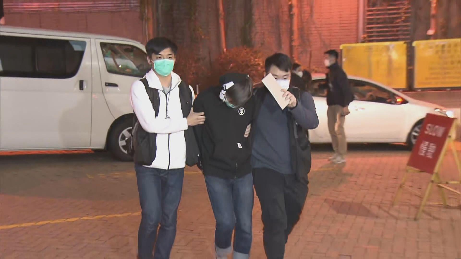 警尖沙咀拘一對男女涉網上行騙