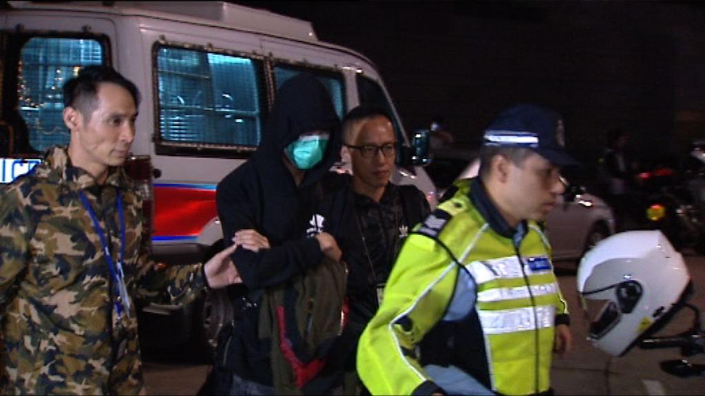 警方中區打擊的士濫收車資拘一人