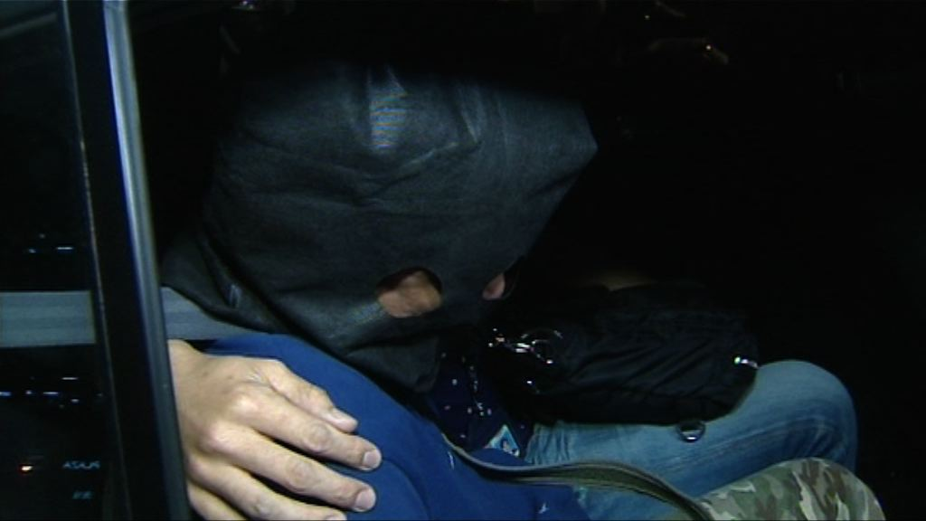 警拘的士司機涉盜乘客110萬元現金