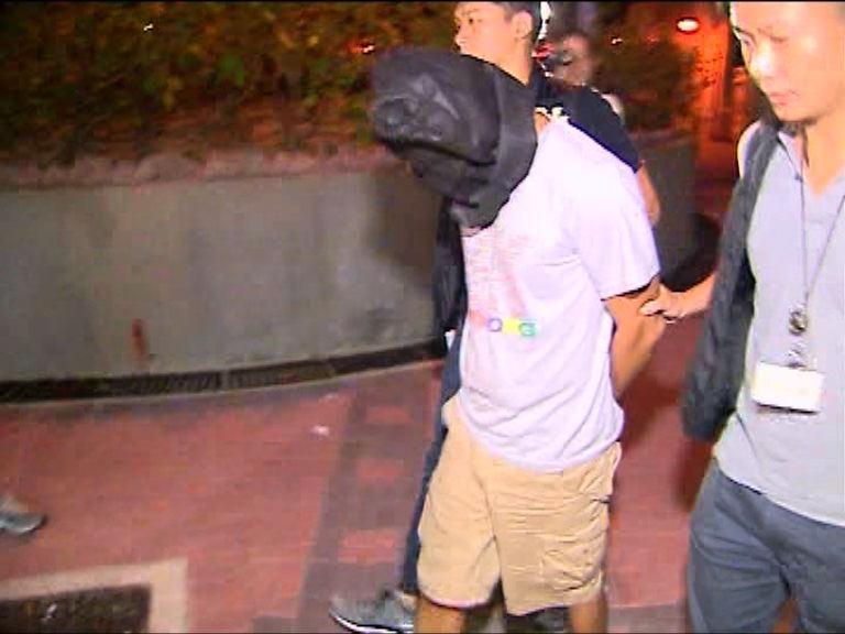 男子涉訛稱網上賣月餅券被捕