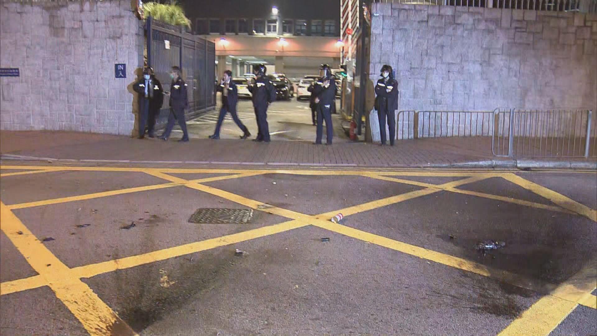 葵涌警署被投擲汽油彈