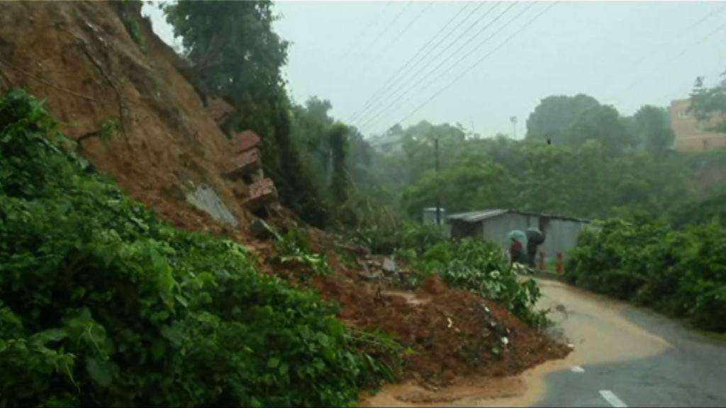 孟加拉暴雨引發山泥傾瀉逾九十死
