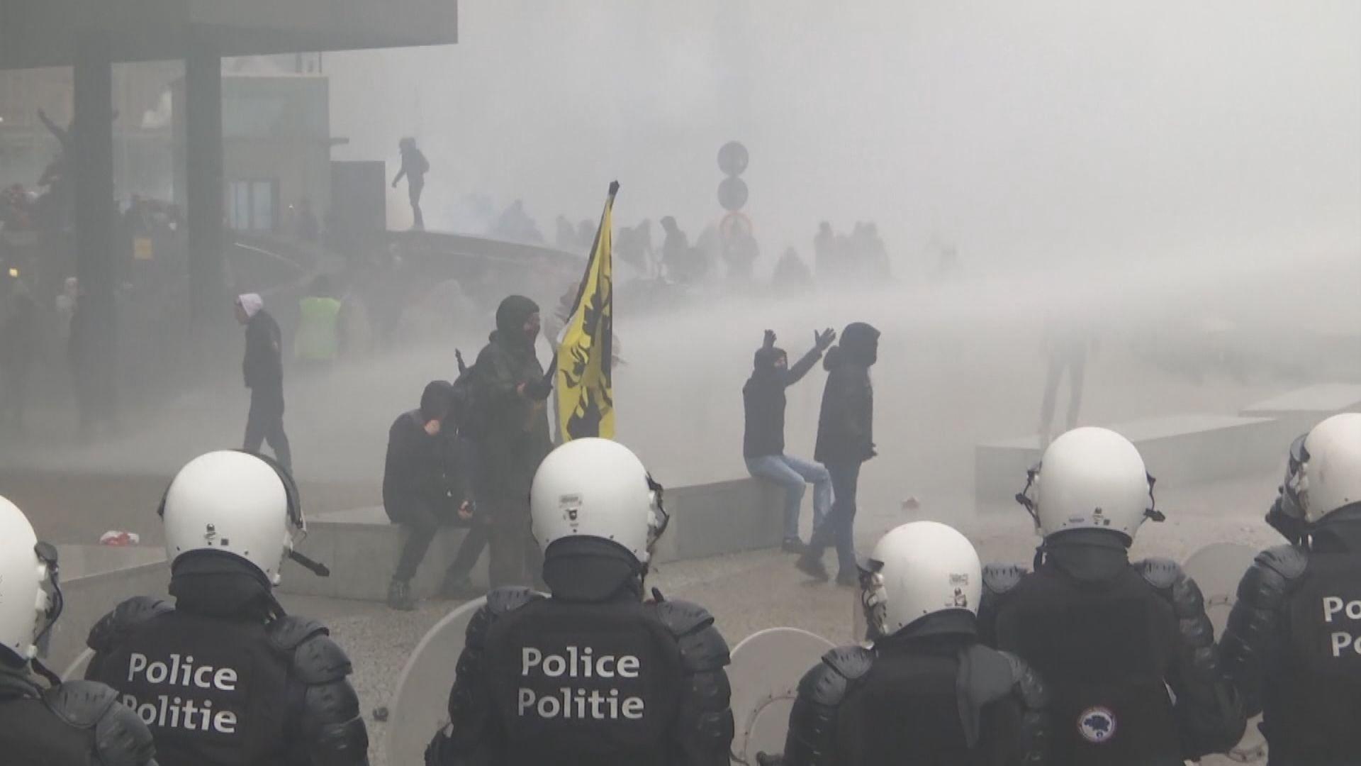 比利時大規模反移民示威