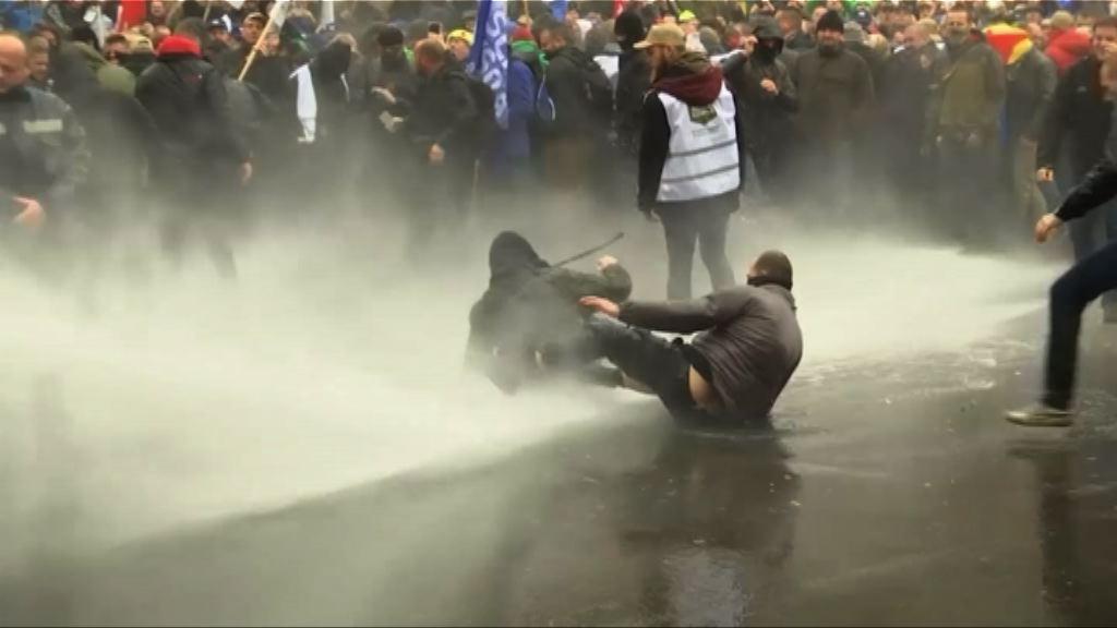 比利時軍人抗議政府提高退休年齡釀衝突