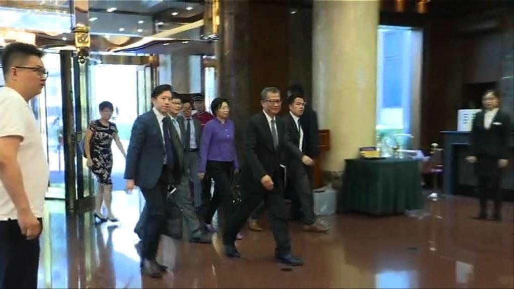陳茂波訪京與張曉明共晉午餐討論大灣區