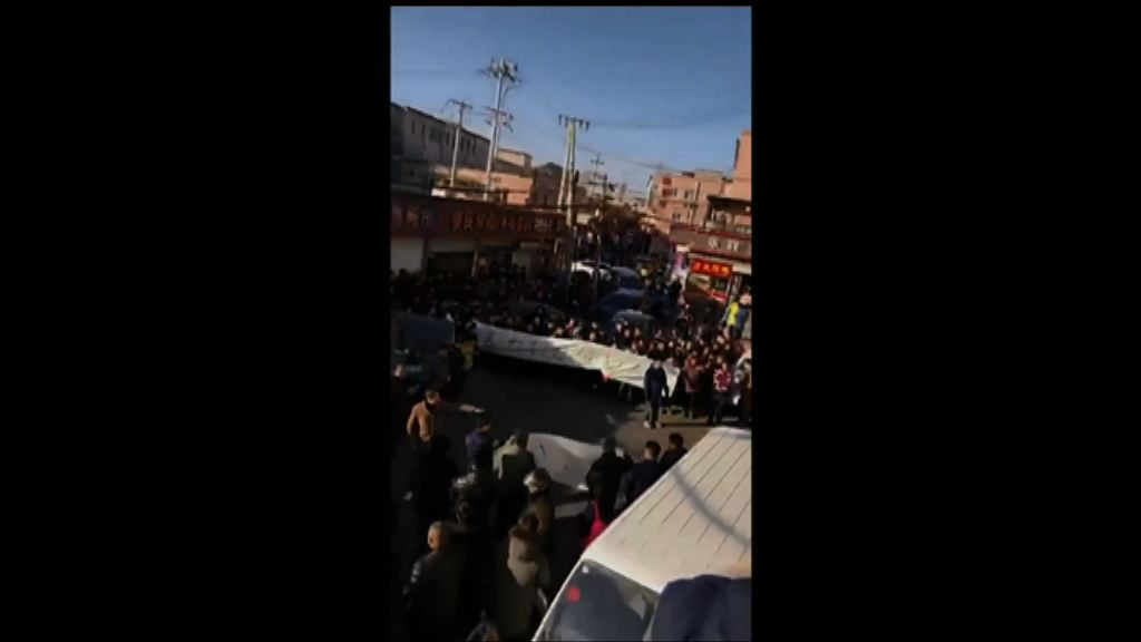 北京清理低端人口爆發示威