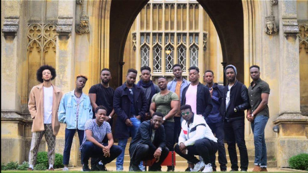 劍橋黑人男生合照引起迴響