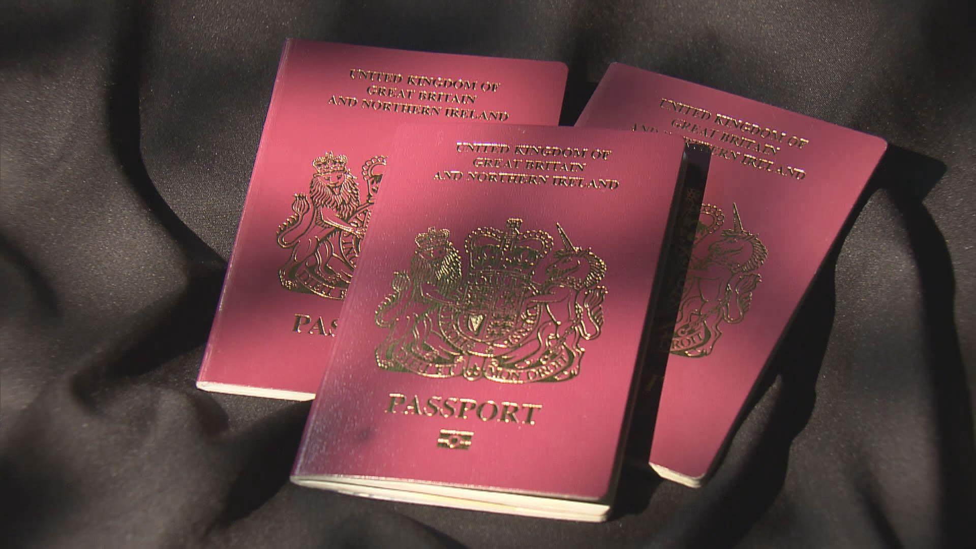 過去10個月逾21萬港人成功申請BNO護照