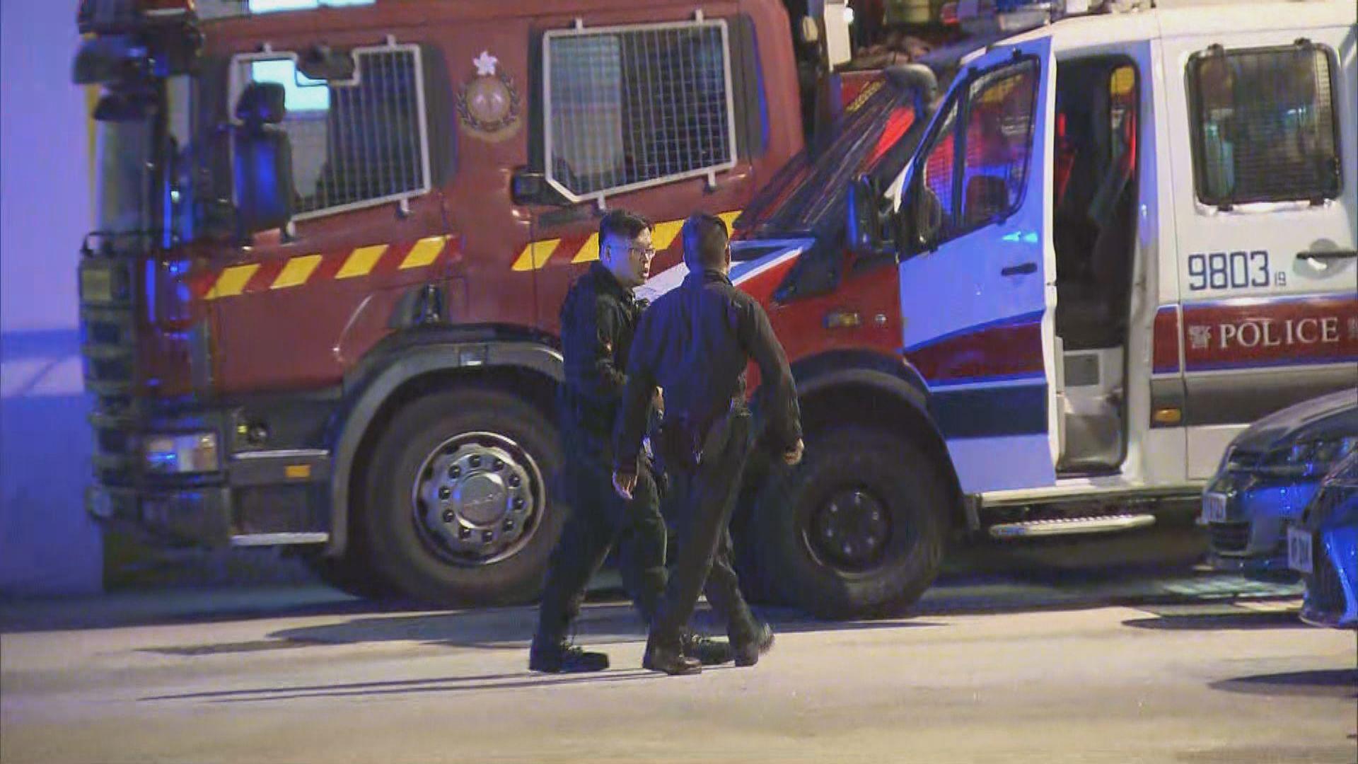 警方在馬鞍山一中學檢懷疑爆炸品拘兩人