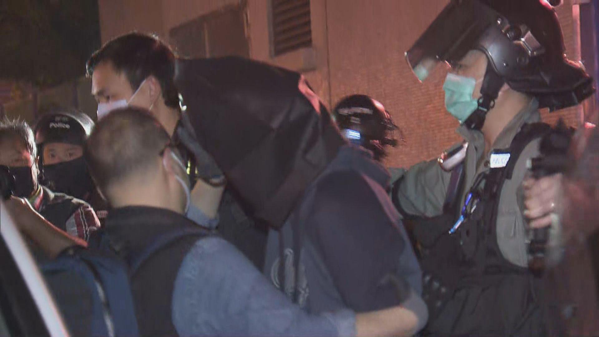 17人被捕涉爆炸裝置及可製炸藥化學品 警:相信針對警員