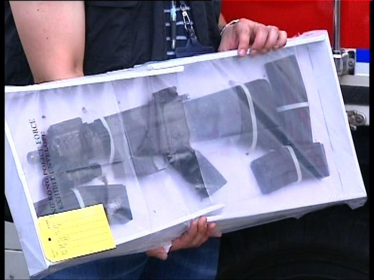 西貢蠔涌檢爆炸品現場搜衝鋒槍