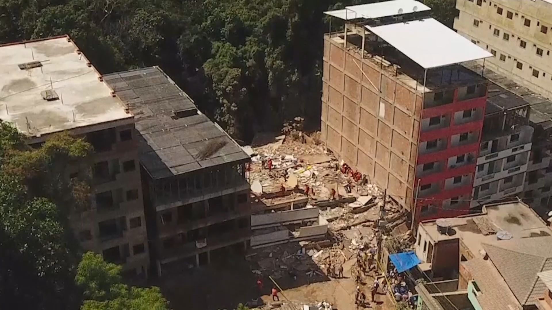 巴西兩棟樓宇倒塌 最少3人死亡