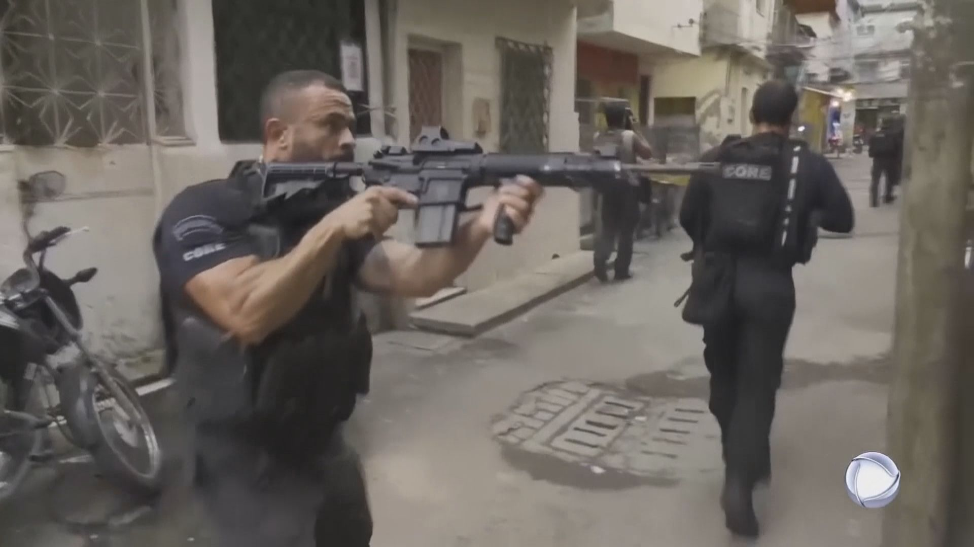 巴西里約警方與毒販槍戰 至少25人死亡