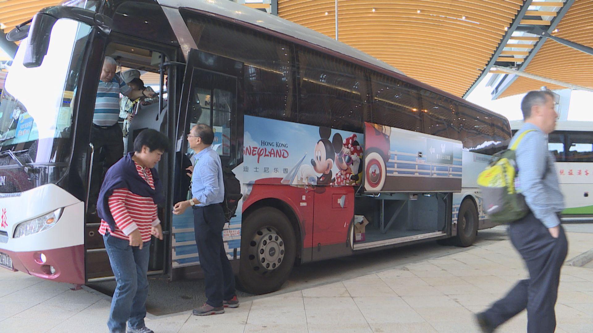 運輸署縮短旅遊巴香港口岸上客申請時間