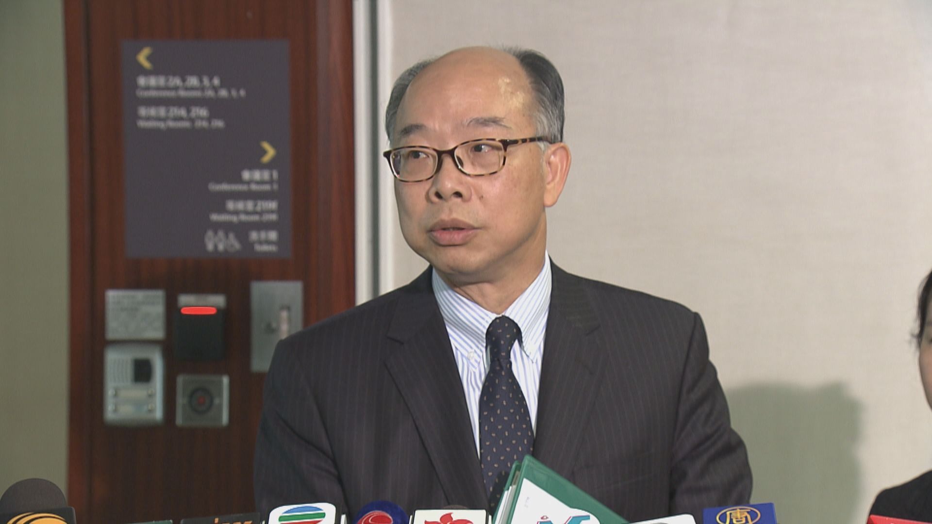 陳帆:會研究減少旅客對東涌居民影響