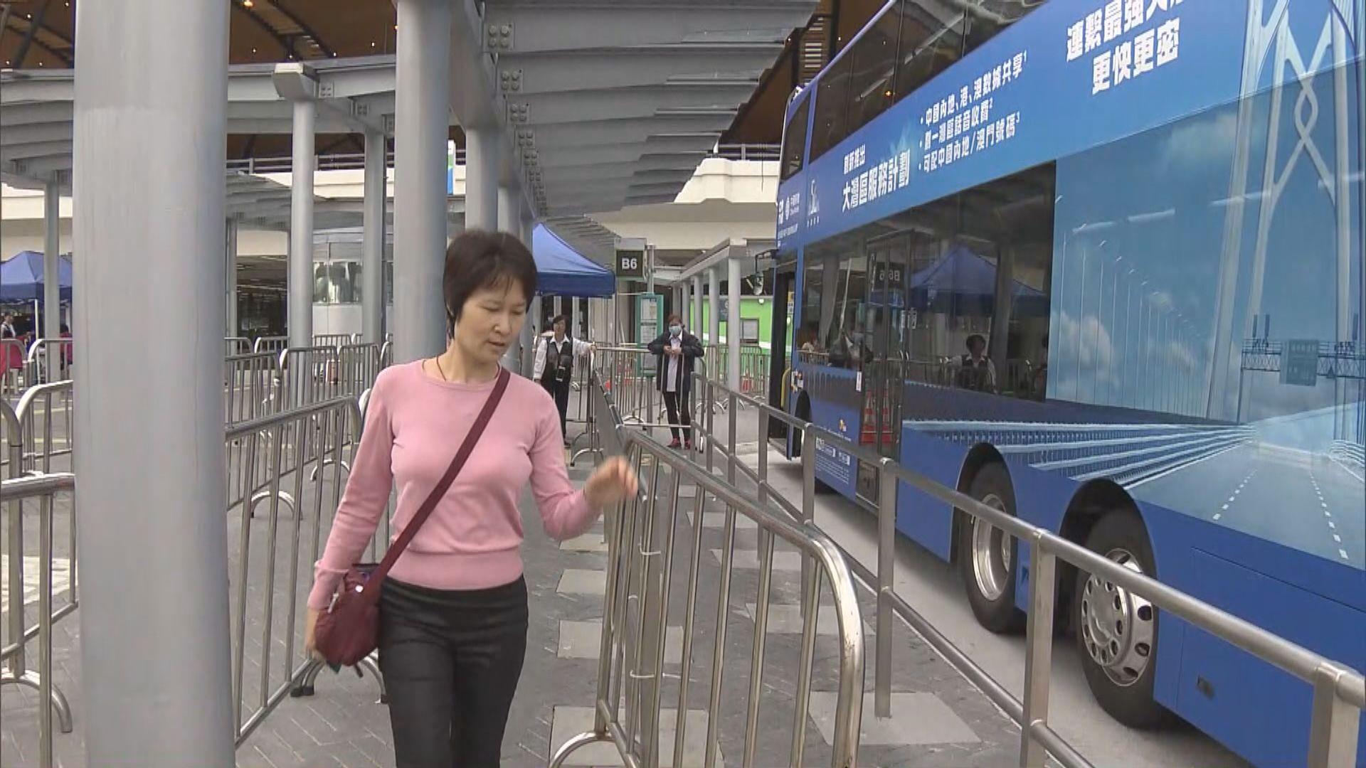 前往東涌的旅客減少 出現「車等人」情況