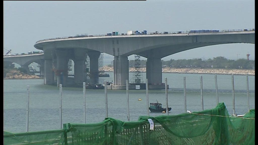 港珠澳大橋香港接線本月內完成