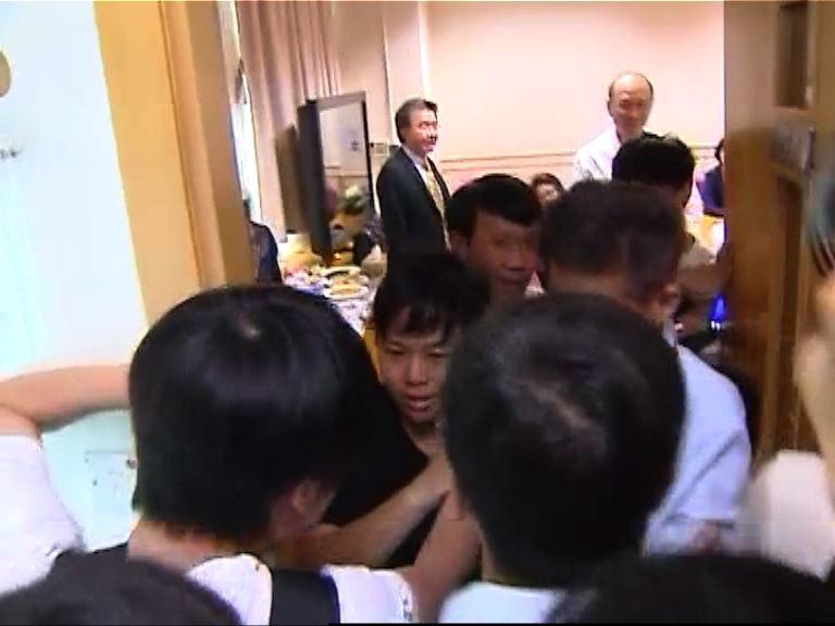 浸大學生冀延長校長遴選諮詢期