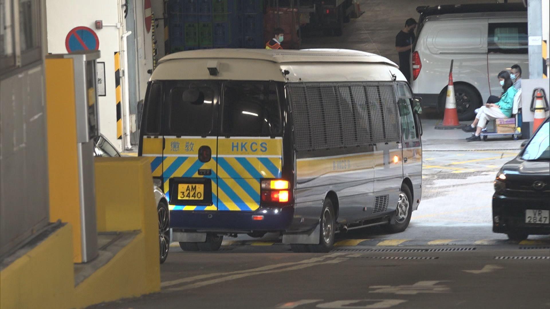 去年機場警民衝突及內地記者被襲擊案開審