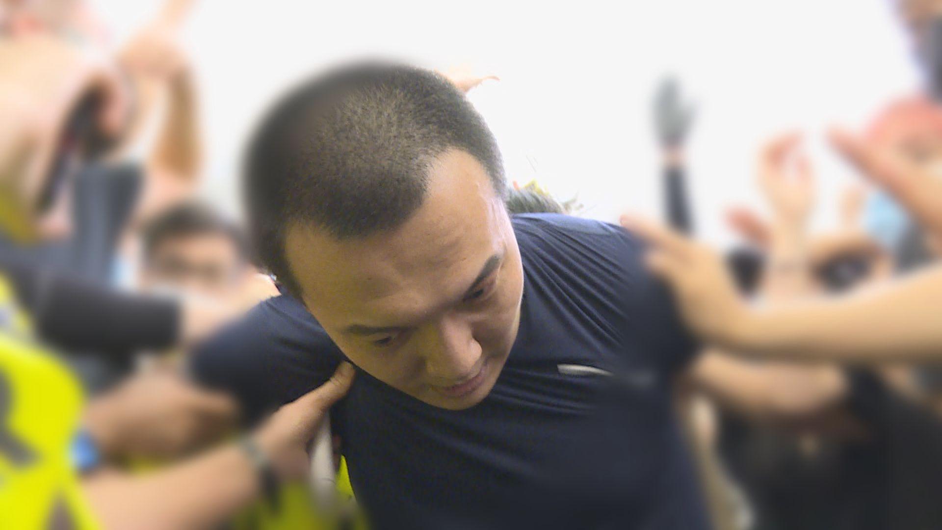 機場反修例集會內地男遭包圍 三人暴動罪成周五判刑