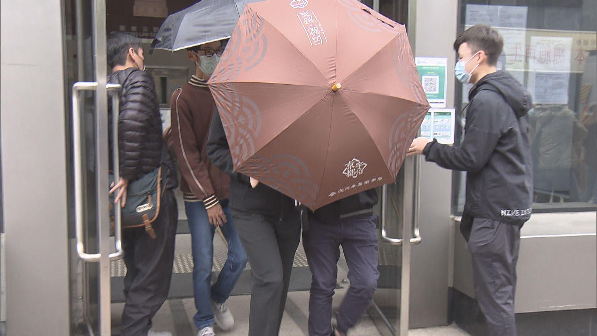 20歲男生涉去年9月將軍澳商場拒捕 罪名不成立