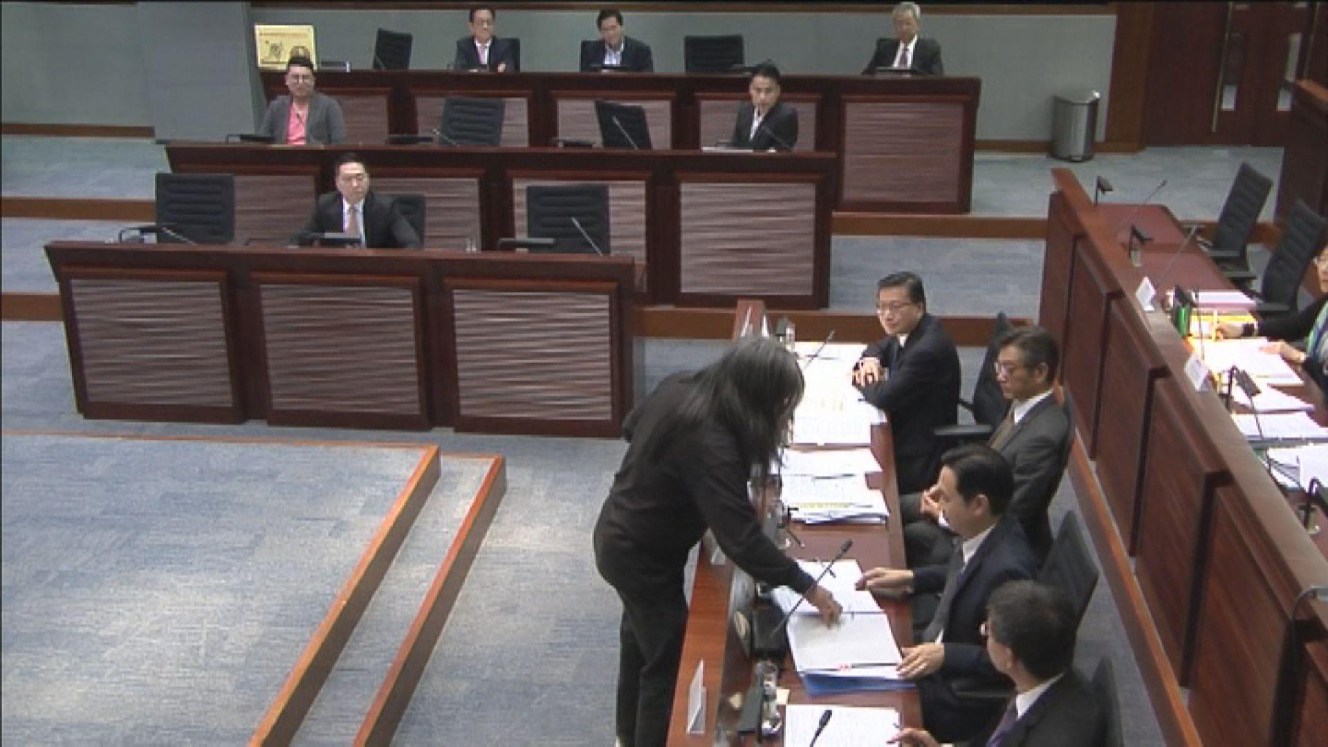 梁國雄搶文件案 高院拒批上訴許可