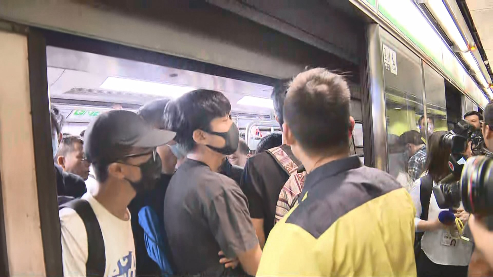 高院延長港鐵臨時禁制令