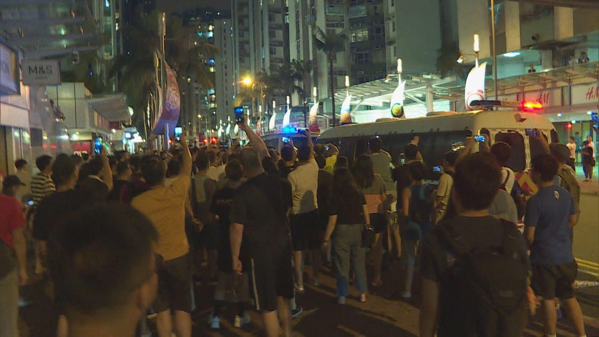 示威者涉上周六襲警及管有爆炸品還柙再訊
