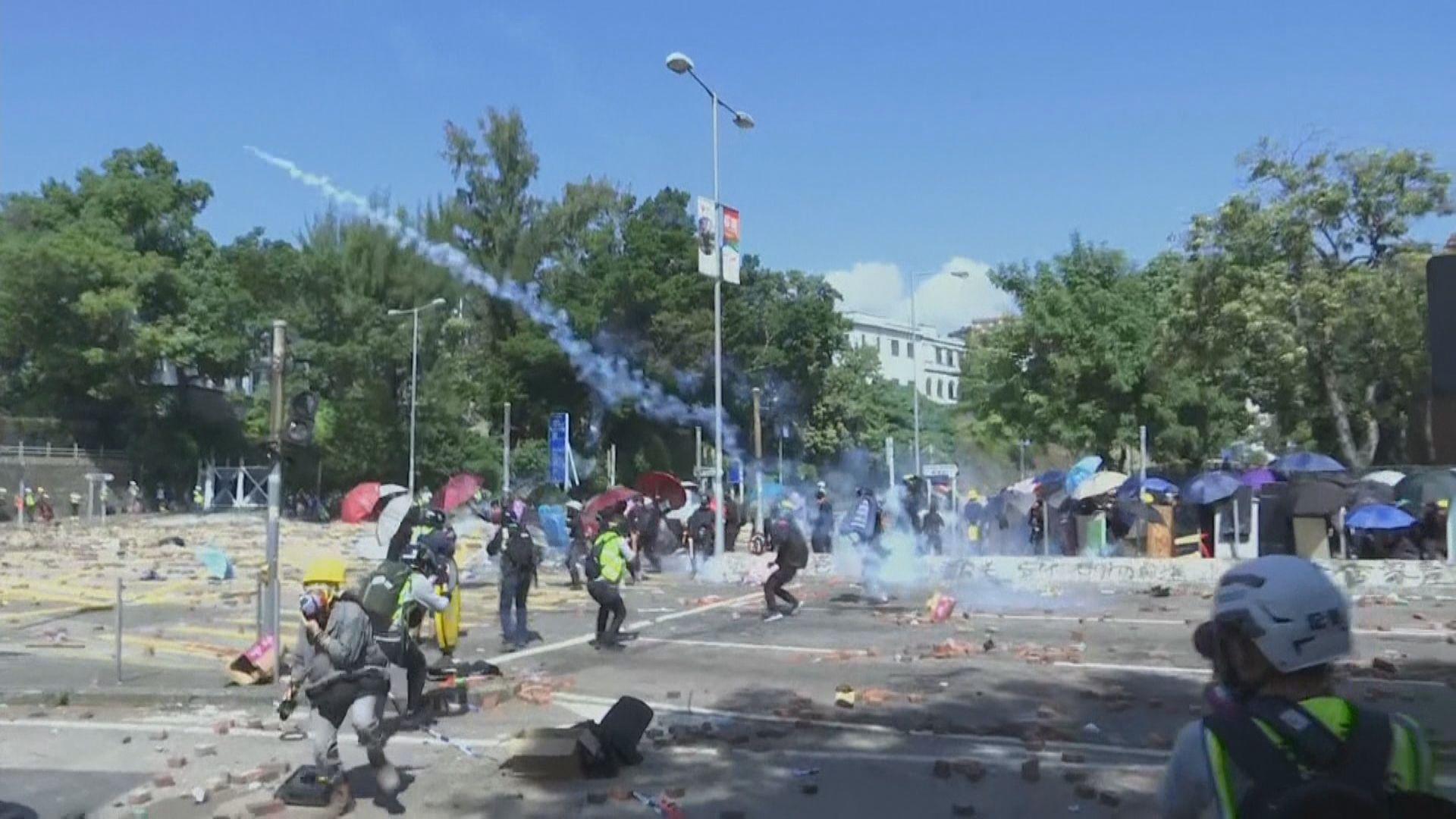 去年理大衝突九人被控暴動 7月再訊