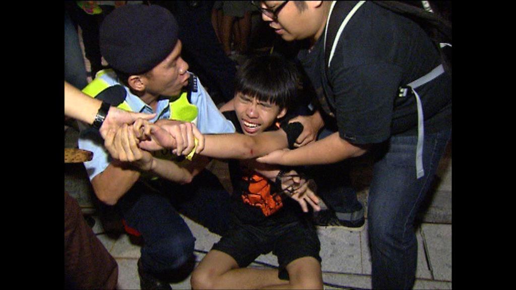 黃之鋒等衝公民廣場案下月底宣判