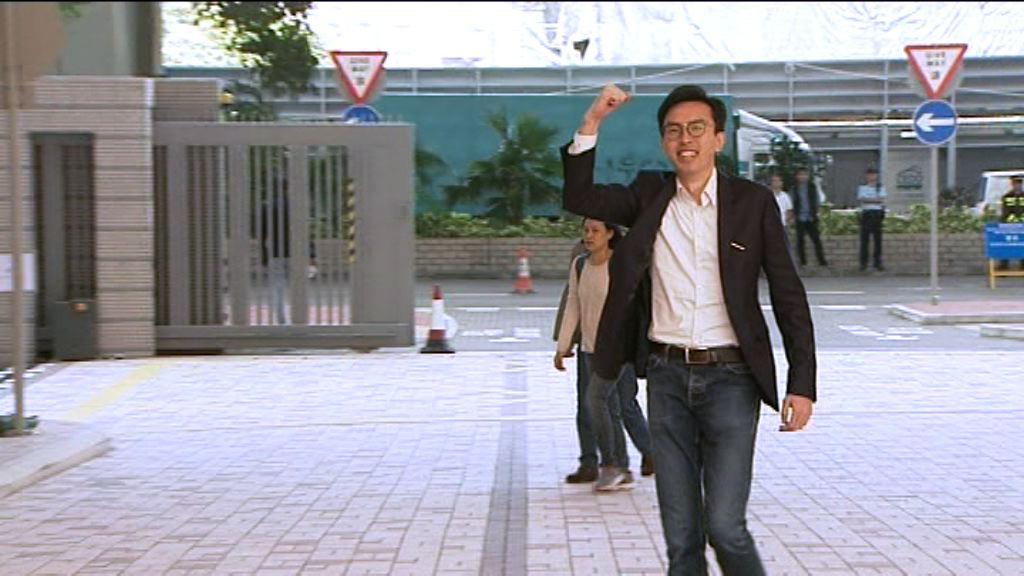 擲三文治案 吳文遠普通襲擊罪成囚三周准保釋