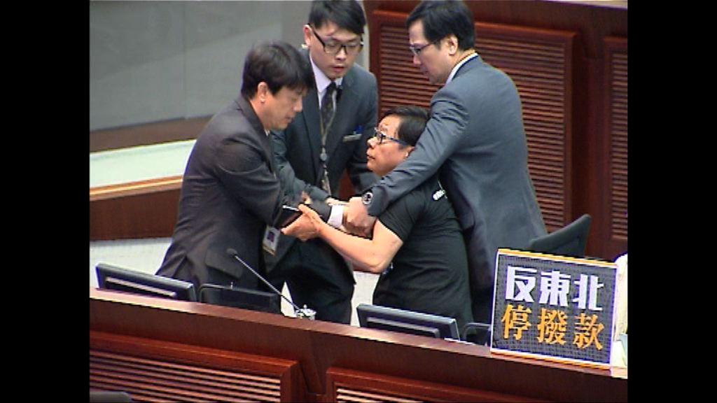 黃毓民司法覆核上訴被拒 須付訟費