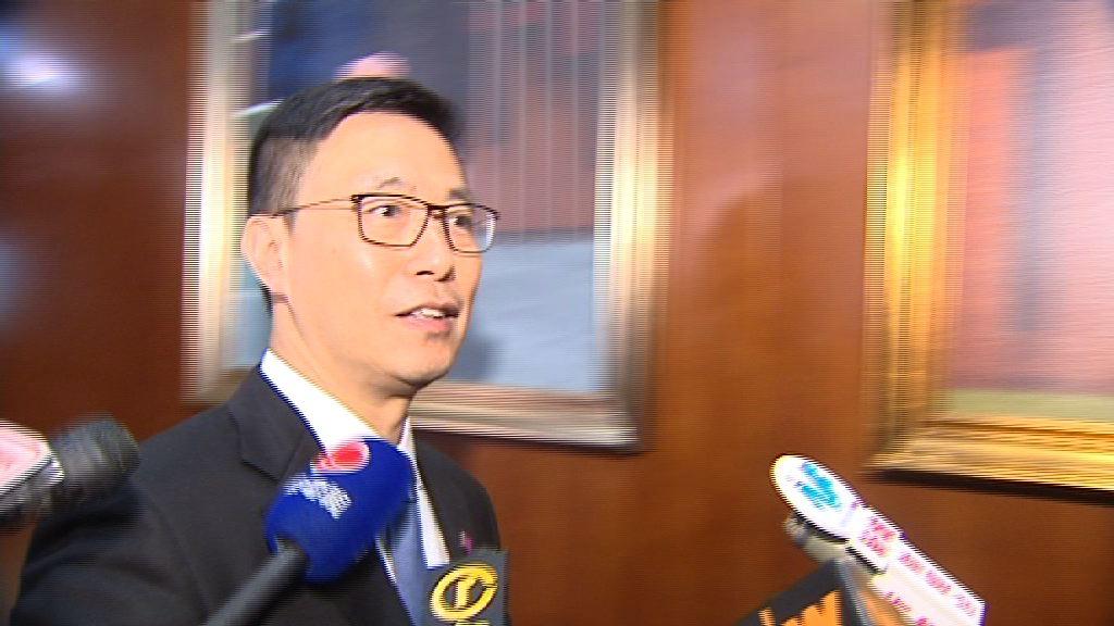 楊潤雄拒評蔡若蓮或任教育局副局長