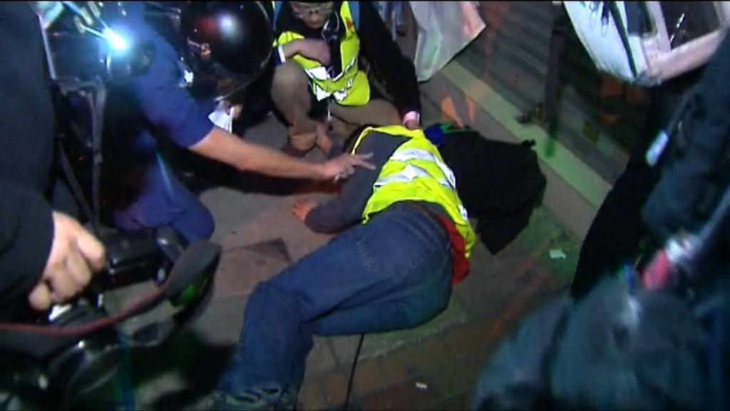 兩電視台攝影師受傷 據報一攝影機損毀
