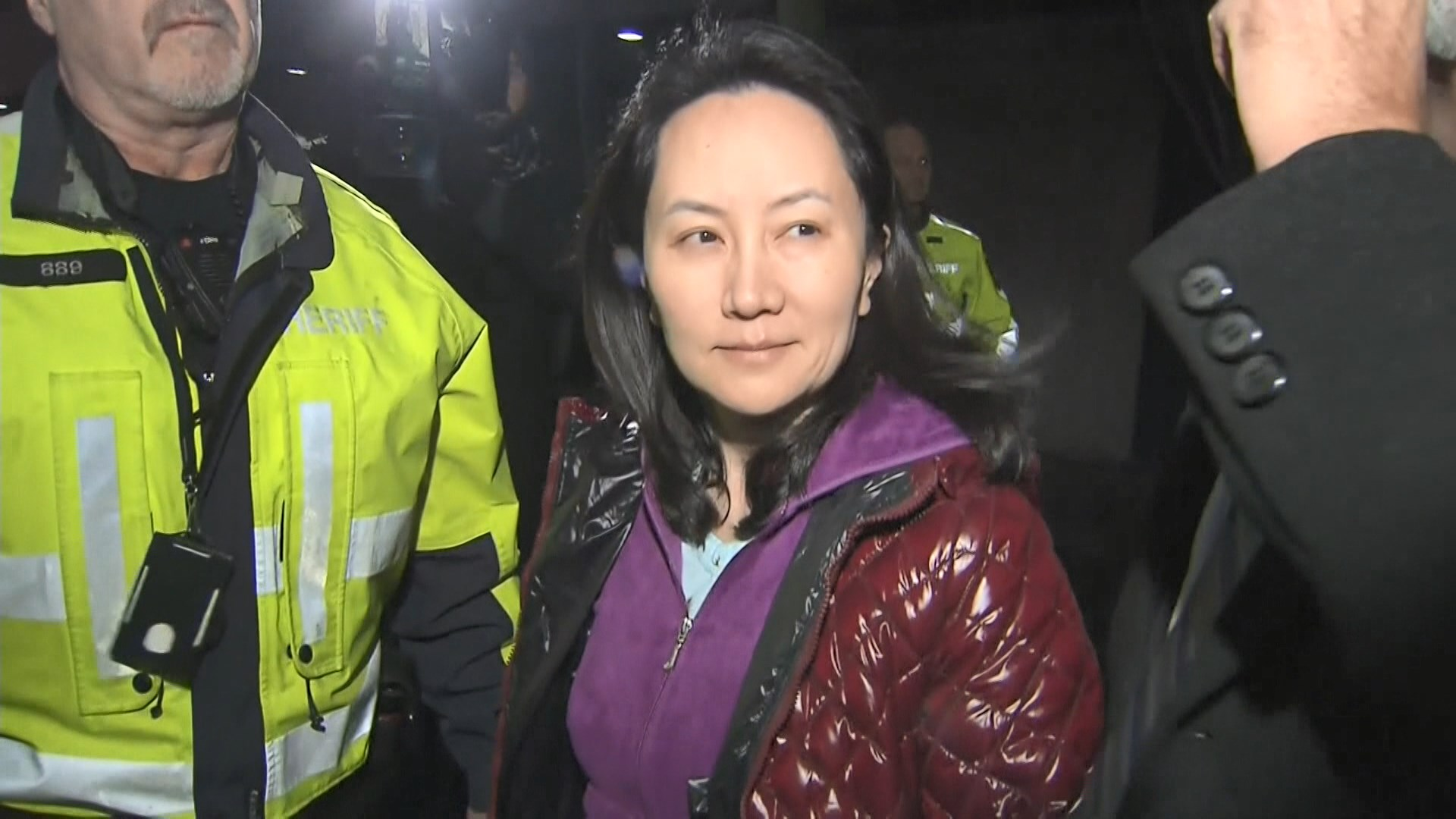 加拿大法院公開孟晚舟在機場過關片段