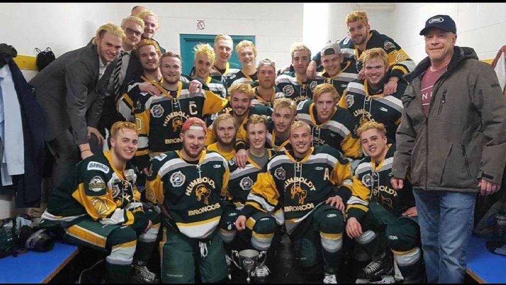 加拿大少年冰球隊遇車禍14死