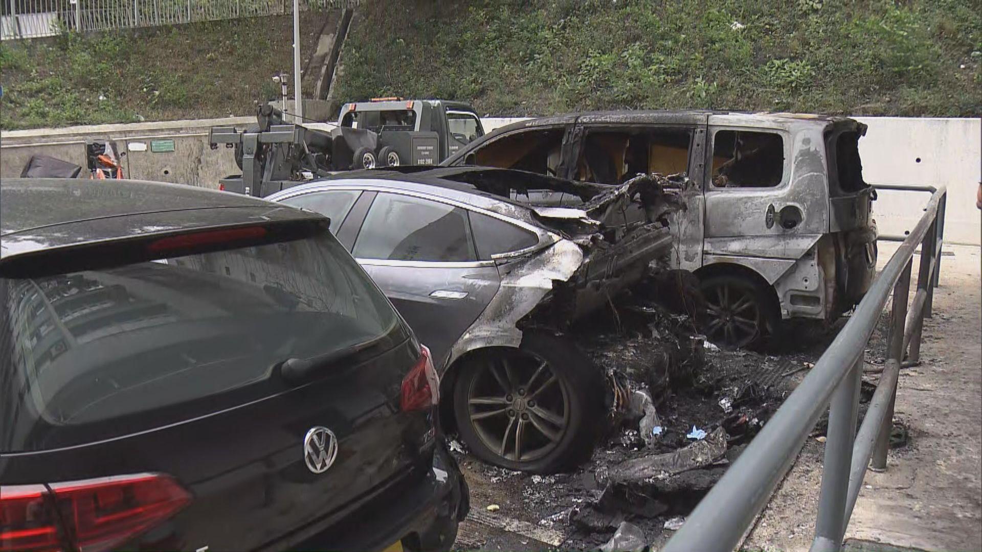 彩雲邨三私家車焚毀列縱火案 起火原因有可疑