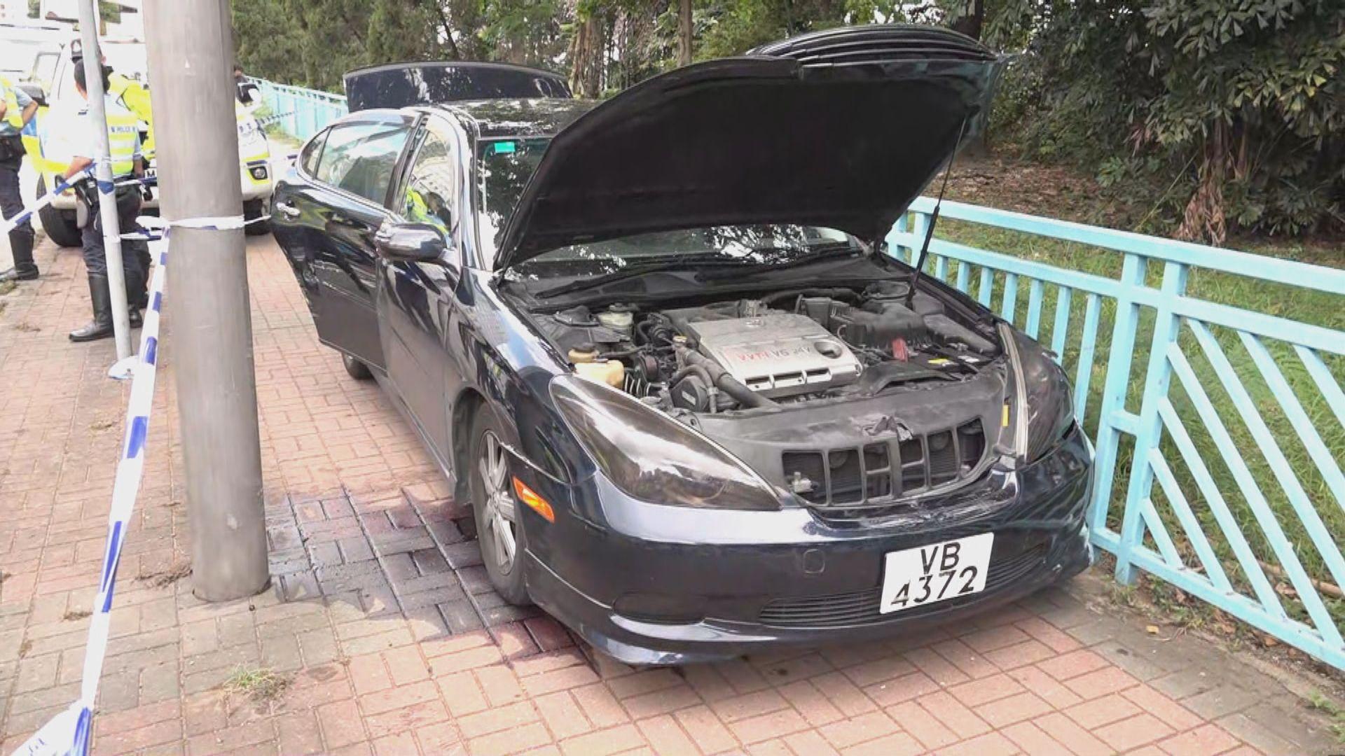 警方葵涌追截可疑私家車 司機棄車逃去