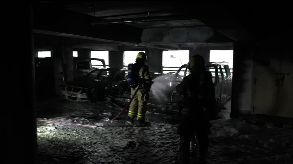 黃大仙停車場多車焚毀 警追緝一名男子