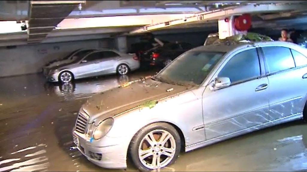 杏花邨停車場水浸仍在清理 車主到場了解