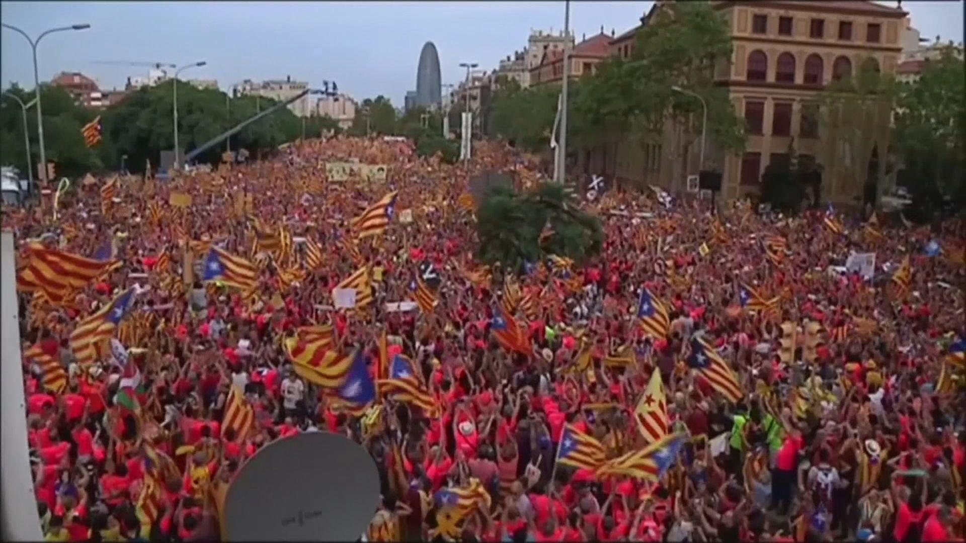 西班牙加泰羅尼亞近百萬民眾上街爭取獨立