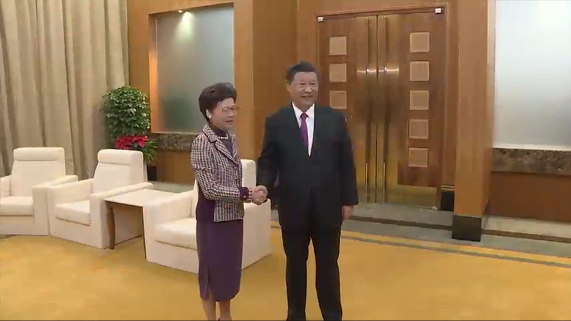 習近平冀特區政府各部門密切配合把香港事辦好