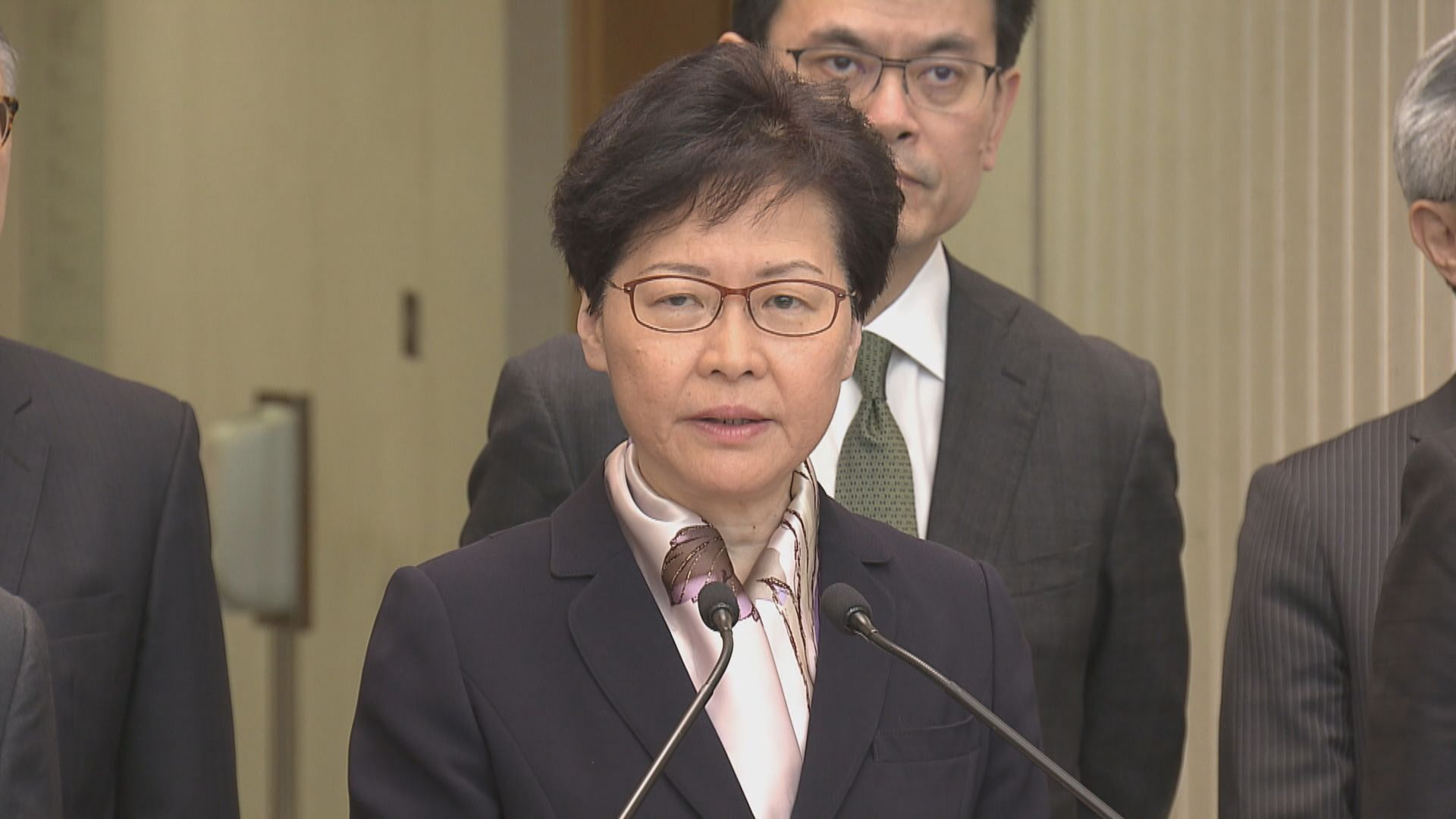 林鄭月娥:玉石俱焚做法令香港踏上不歸路