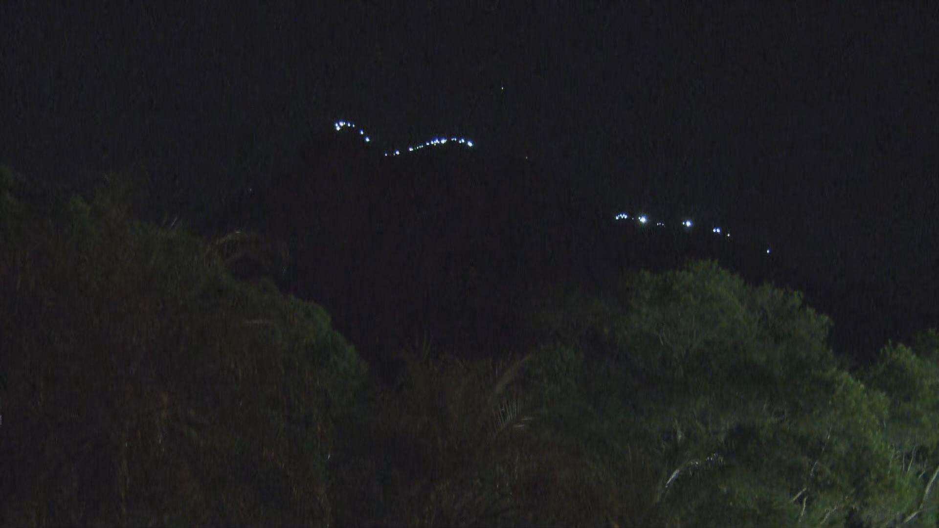 「香港之路」人鏈伸延至獅子山頂