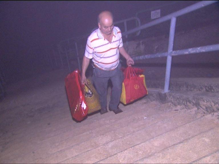 市民清晨趁封路前到將軍澳掃墓