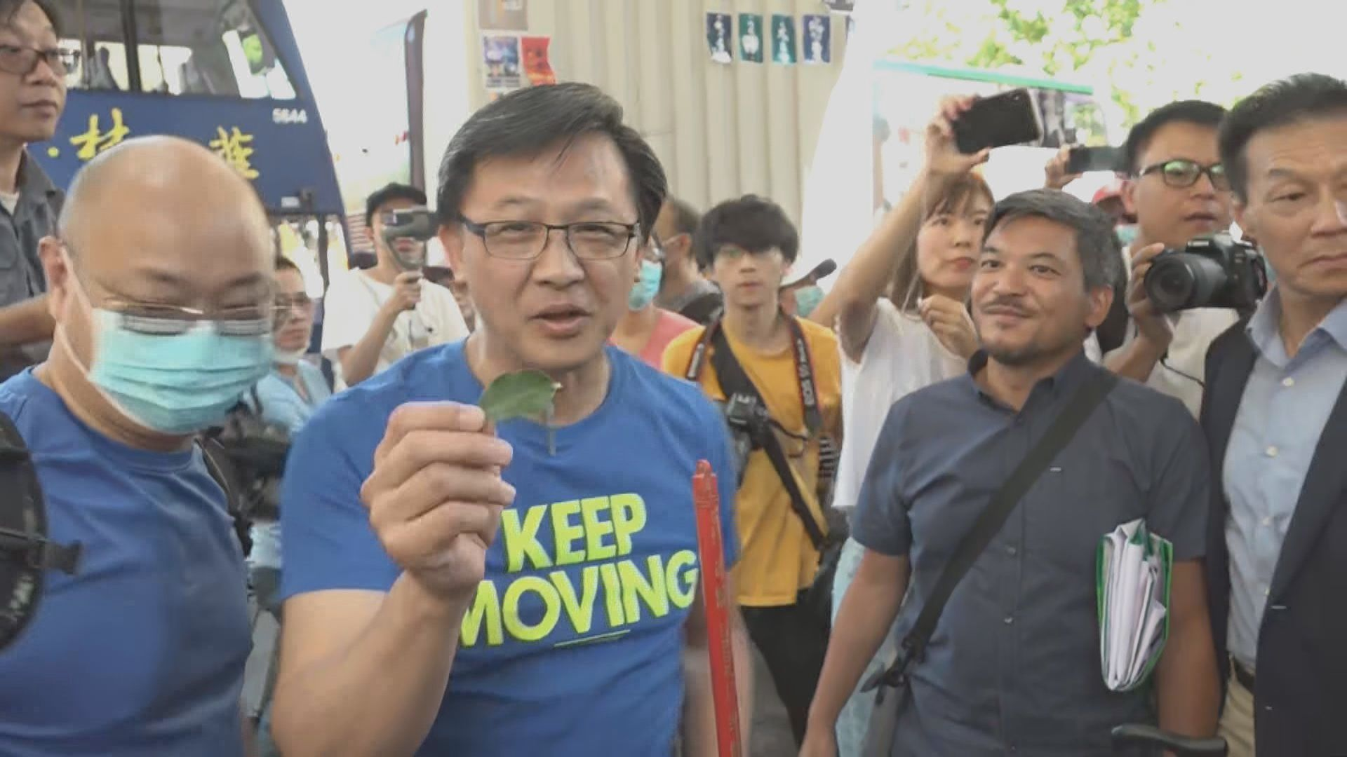 何君堯:冀清潔運動給予年青人榜樣