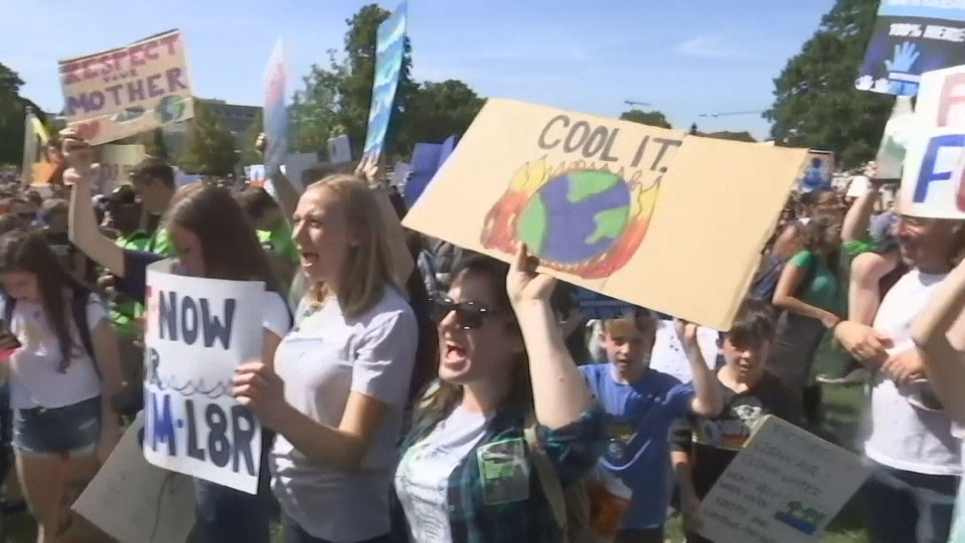 全球多地罷課及遊行 籲應對氣候變化