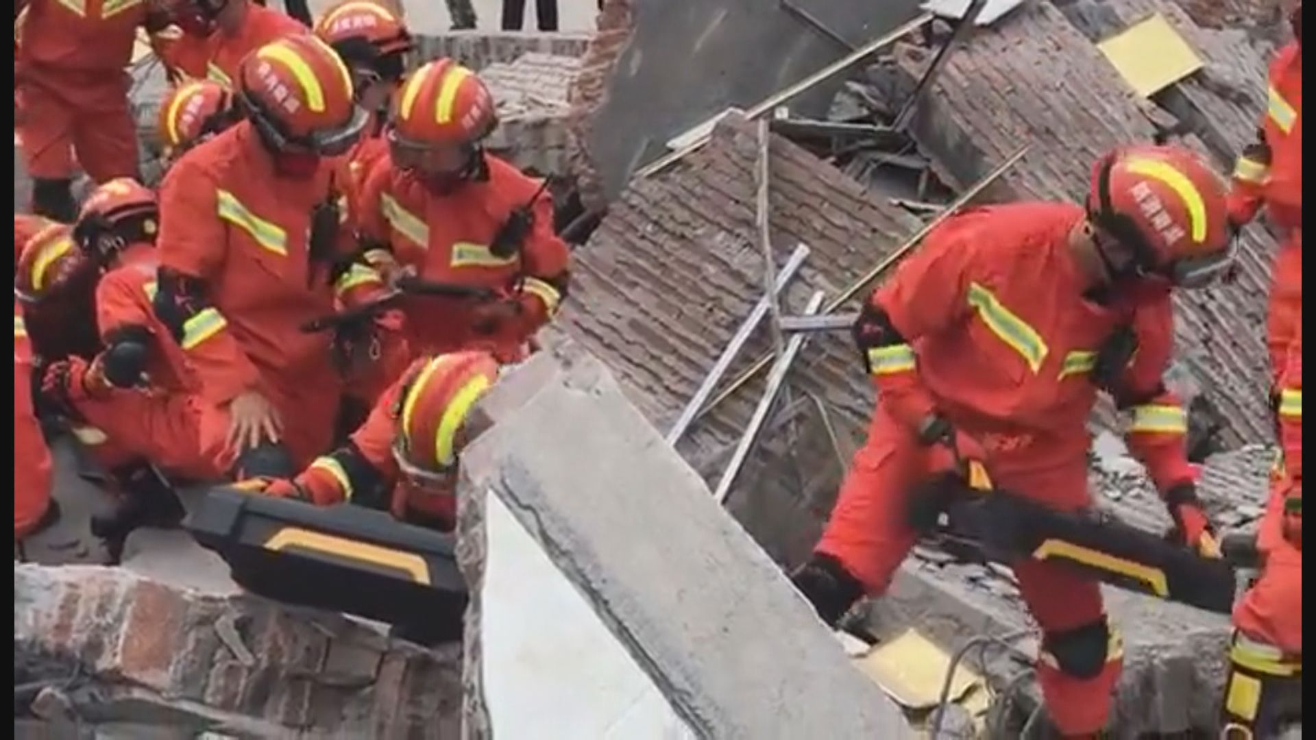 湖南汝城民房倒塌多人陸續獲救 至今救出八人