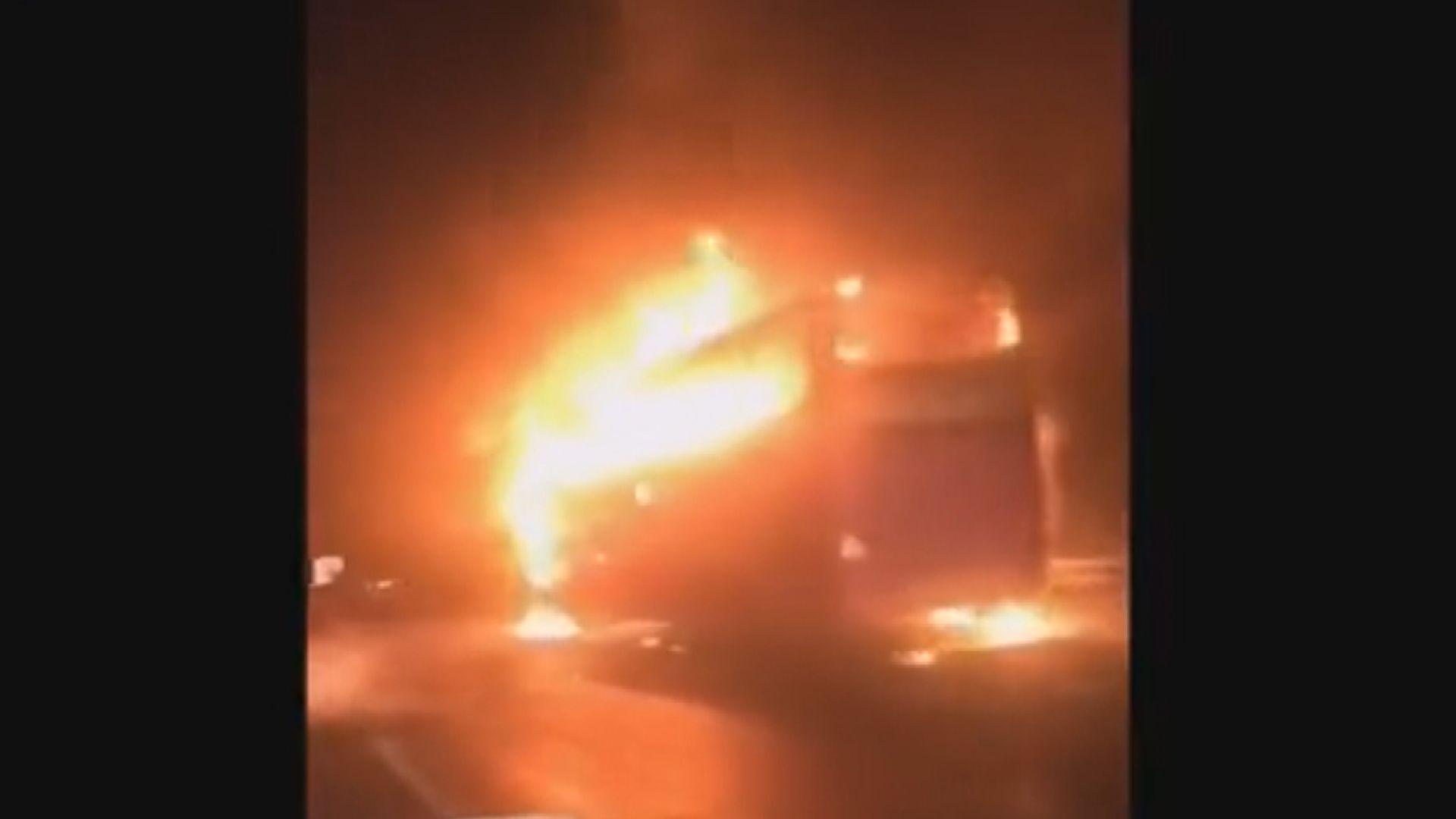 湖南旅遊巴起火釀最少26死