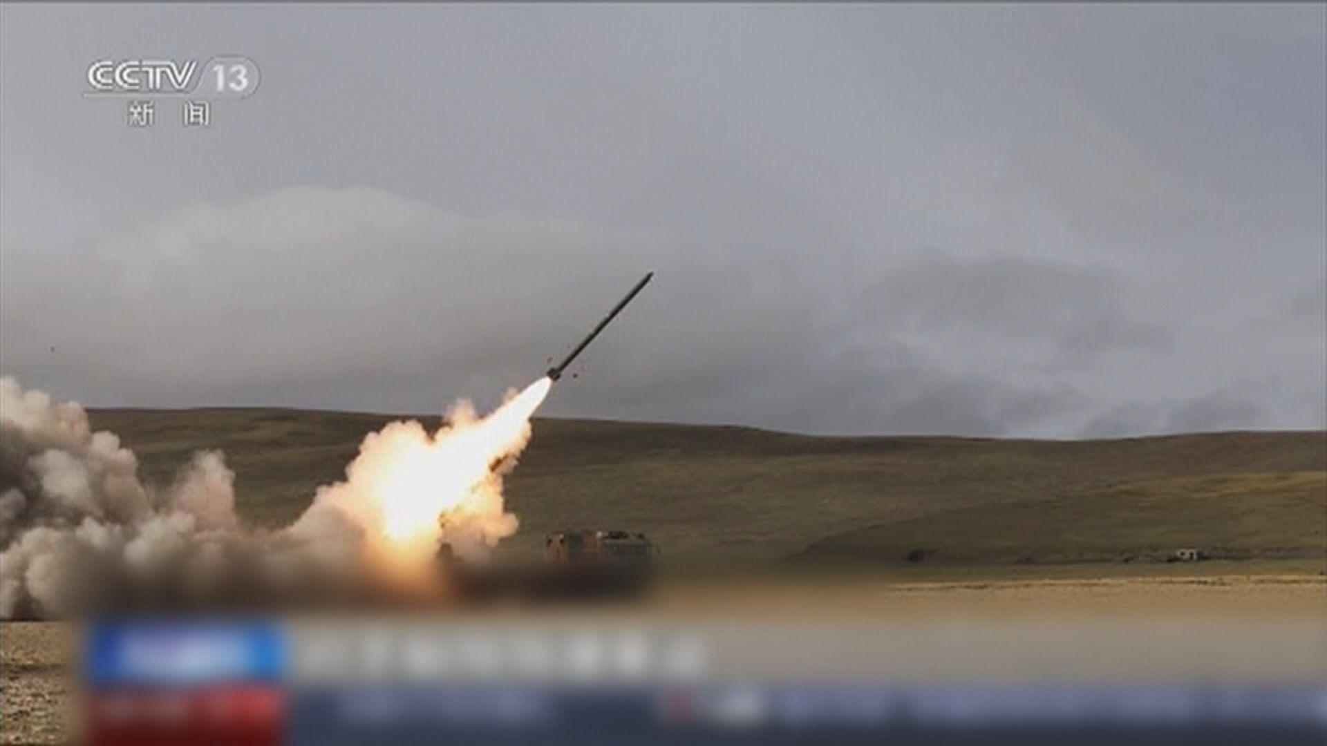 中印邊境關係持續緊張 解放軍部隊西藏高原射擊演練